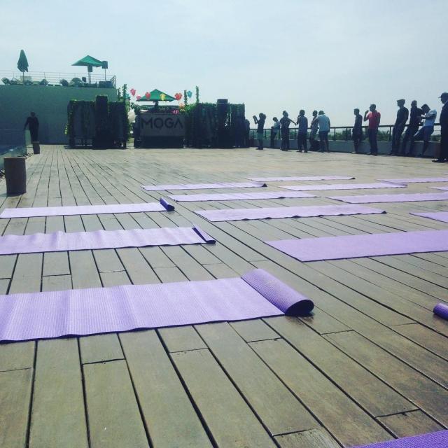 Cours de yoga  14h30 au sofitelessaouira sur le beathellip